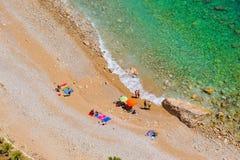 Plage méditerranéenne dans l'été Image stock