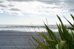 Plage noire de sable Photo libre de droits