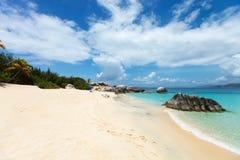 Plage parfaite de photo chez les Caraïbe Photos libres de droits