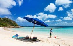 Plage parfaite de photo chez les Caraïbe Photo stock