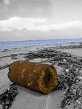 Plage polluée des ordures photos stock