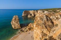 Plage près de Lagos - Algarve Portugal Photographie stock libre de droits