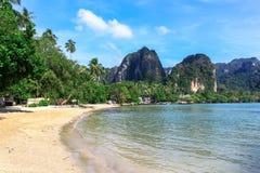 Plage rêveuse tropicale, plage de Railay dans Krabi Images stock
