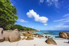 Plage renversante de paradis à l'anse Latium, praslin, Seychelles 81 Photographie stock libre de droits