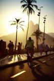 Plage Rio de Janeiro Brazil d'Ipanema de trottoir de chemin de vélo Photos stock