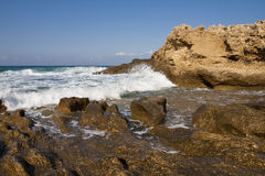 Plage rocheuse Photographie stock
