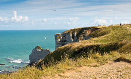 Plage rocheuse en Normandie, France Photographie stock libre de droits