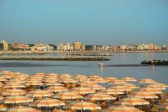 Plage Romagna de voyage - plage et mer à Rimini Photos libres de droits