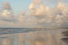 Plage scénique à l'aube, plage de coucher du soleil, la Caroline du Nord photographie stock libre de droits