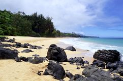 Plage secrète, Kauapea, Kauai, Hawaï, Etats-Unis images stock