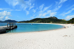 Plage semi-circulaire (Islas Cies) Photographie stock