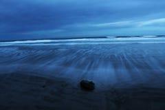 plage sombre Photo stock