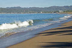 Plage sur l'océan pacifique mexicain images libres de droits