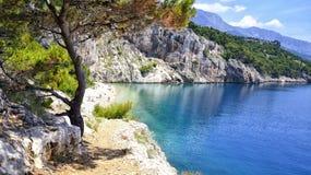 Plage sur Makarska la Riviera, Dalmatie - Croatie Images libres de droits