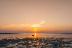 plage Thaïlande de coucher du soleil Photographie stock libre de droits
