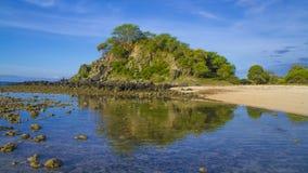 1$ plage Timor oriental Images libres de droits