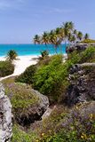 Plage tropicale photographie stock libre de droits