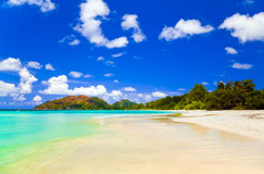 Plage tropicale Cote d'Or chez les Seychelles Images stock
