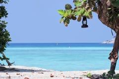 Plage tropicale d'île Photo stock