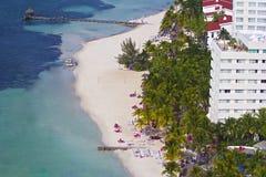 Plage tropicale dans Cancun, Mexique images stock