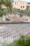 Plage tropicale dans des vacances de touriste d'été Photos stock