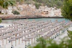 Plage tropicale dans des vacances de touriste d'été Photo libre de droits