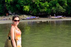 Plage tropicale dans Krabi, Thaïlande Image libre de droits