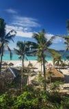 Plage tropicale de paradis de Puka à boracay Philippines photographie stock libre de droits