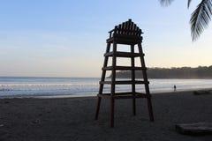 Plage tropicale secrète dans l'océan pacifique photos stock