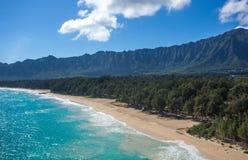 Plage tropicale stupéfiante Oahu Hawaï de Waimanalo photographie stock libre de droits