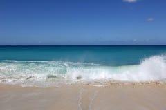 Plage, vacances, mer et vagues Images libres de droits