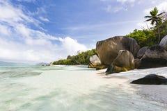 Plage vide pendant le matin, La Digue, Seychelles Photographie stock