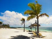 Plages blanches stupéfiantes, vacances tropicales, Mauritius Island images libres de droits