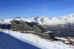 Plagne艾梅2000年,在La Plagne,法国滑雪胜地的冬天风景  图库摄影