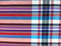 Plaid-Baumwollgewebe des bunten Hintergrundes und der abstrakten Beschaffenheit Lizenzfreie Stockfotos