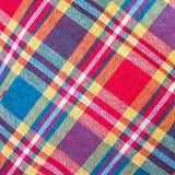 Plaid Katoenen stof van kleurrijke achtergrond en abstracte textuur Royalty-vrije Stock Foto's