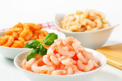 Plain and seasoned shrimps Royalty Free Stock Photography