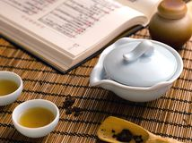 Porcelain Chinese teapot and cups of tea Royalty Free Stock Photo