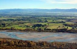 Plaines de Cantorbéry et matin aérien d'automne de rivière de Waimakariri, Ne Photos libres de droits