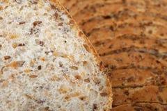 Plak van bruin brood Stock Foto's