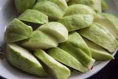Plak van guave op schotel Royalty-vrije Stock Foto's
