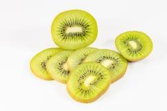 Plak van vers kiwifruit op wit Royalty-vrije Stock Foto