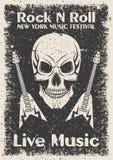 Plakat des Weinleserocks n Rollen Schädel und Gitarre typografisch für Druck, T-Shirt, T-Stück Design Lizenzfreie Stockfotografie