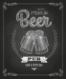 Plakat mit Bier Kreidezeichnung Stockbilder