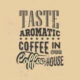 Plakat mit von Hand gezeichnetem Kaffeeslogan Kreative vektorabbildung Stock Abbildung