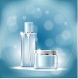 Plakat z przejrzystymi kosmetycznymi zbiornikami na błękitnym tle z bokeh skutkiem ilustracja wektor