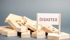 Plakat z wpisow? katastrof? spada? drewnianymi domami i Nagl?ca ewakuacja ludzie huragan burza ogie? Wybuch obraz stock