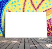 Plakatowa pozycja na mozaiki płytce Zdjęcie Royalty Free