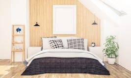 Plakatrahmen auf Dachbodenschlafzimmer lizenzfreie stockfotos