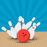 Plakatspiele im Bowlingspielverein Vektorhintergrunddesign mit Streik an den Gassenballkegeln Flache Illustration Lizenzfreie Stockfotos
